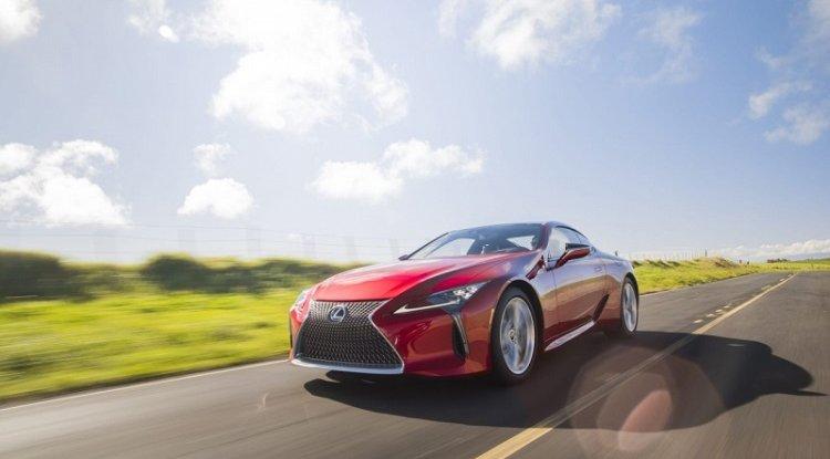 V-ósemki w planach Lexusa. Jest nowy patent